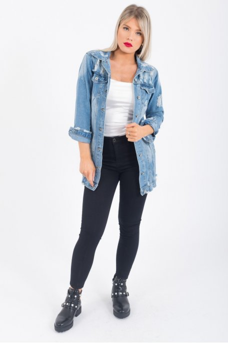 Veste en jean déchirée
