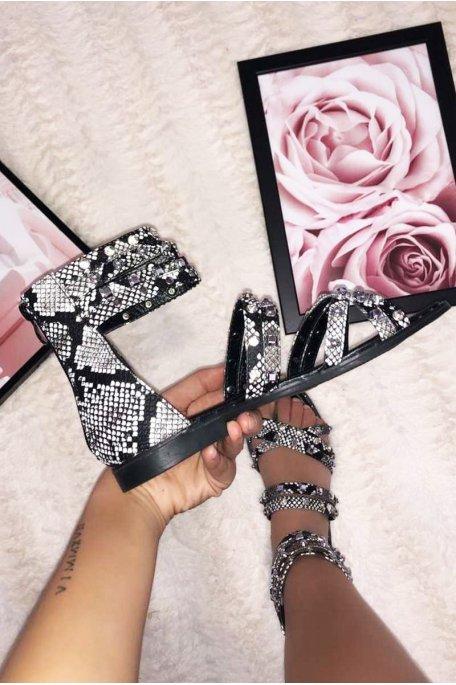 Sandales plates cloutées strass noires et python