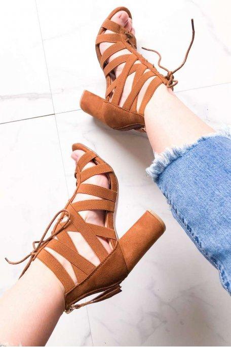 Sandales à talons camel élastiques et lacets