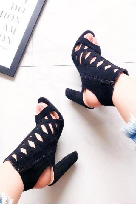 Sandales à talons noires ajourées effet daim