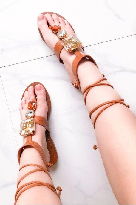 Sandales camel simili cuir bijoux à lacets