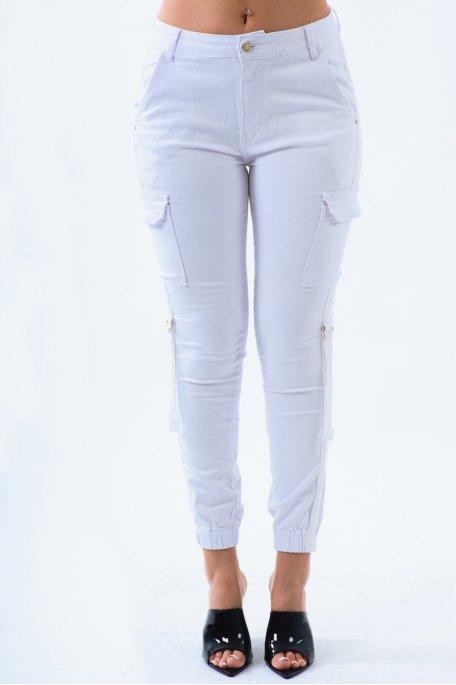 Jean blanc à poches