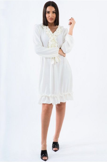 Robe blanche fluide froufrous