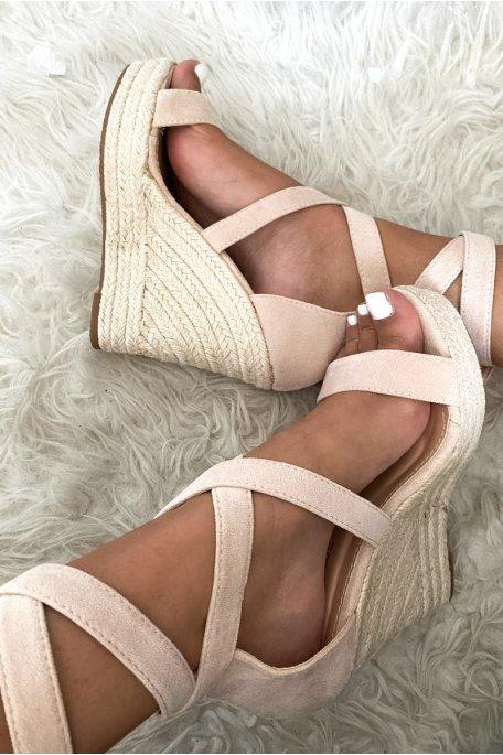 Sandales compensées nudes montantes effet daim