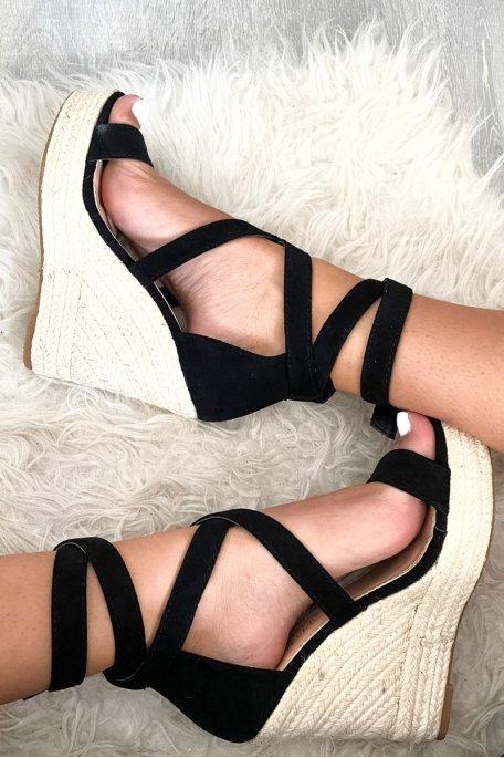 Sandales compensées noires montantes effet daim