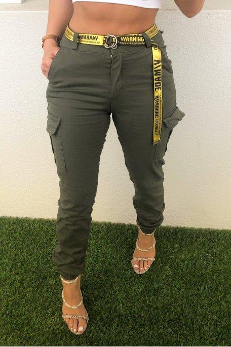 Pantalon cargo kaki ceinture jaune