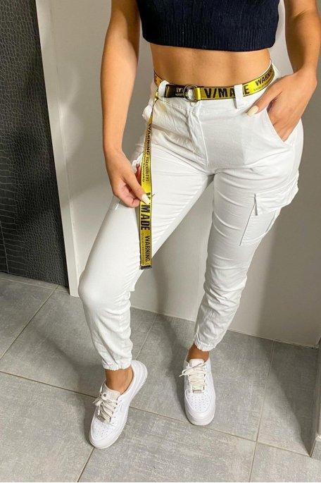 Pantalon cargo blanc ceinture jaune