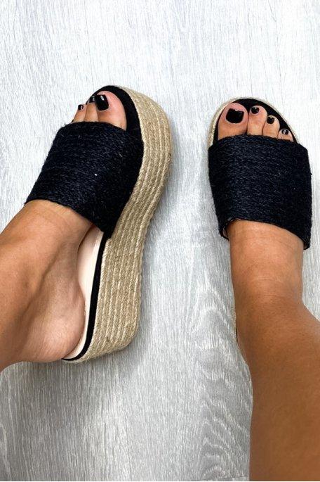 Sandales compensées noires tressées