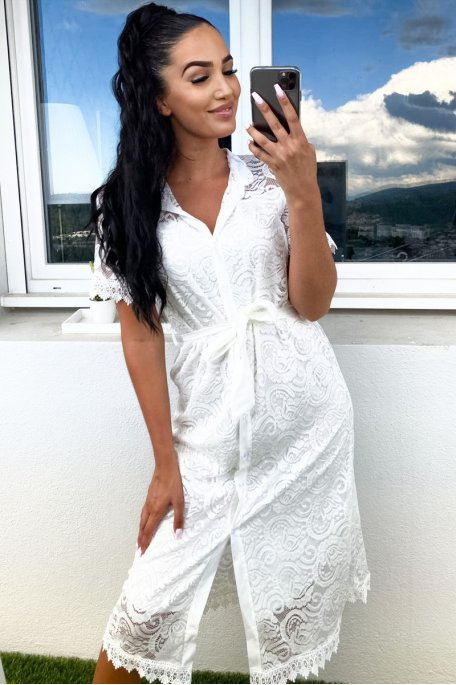 Robe dentelle blanc boutonnés