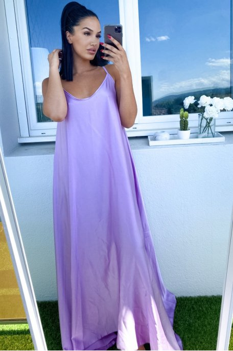 Robe violet longue évasé satiné