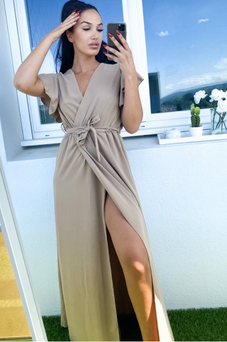 Robe longue taupe fendue manches volants