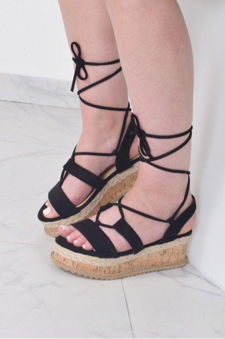 Sandales noires compensées effet daim à lacets