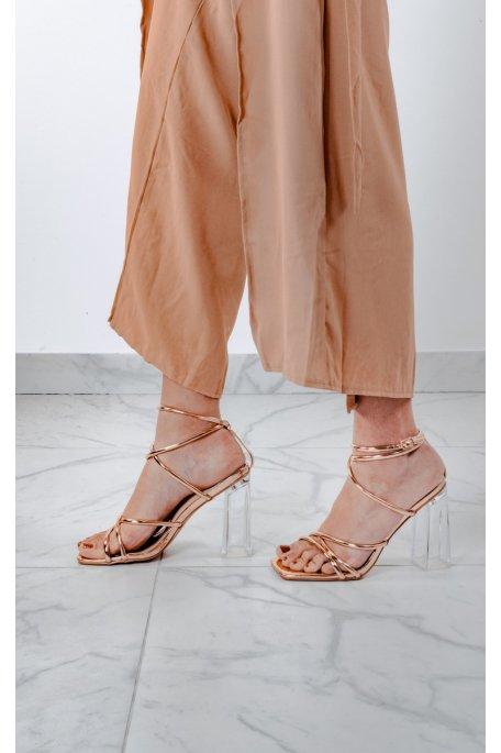 Sandales à talons transparents vernies champagne