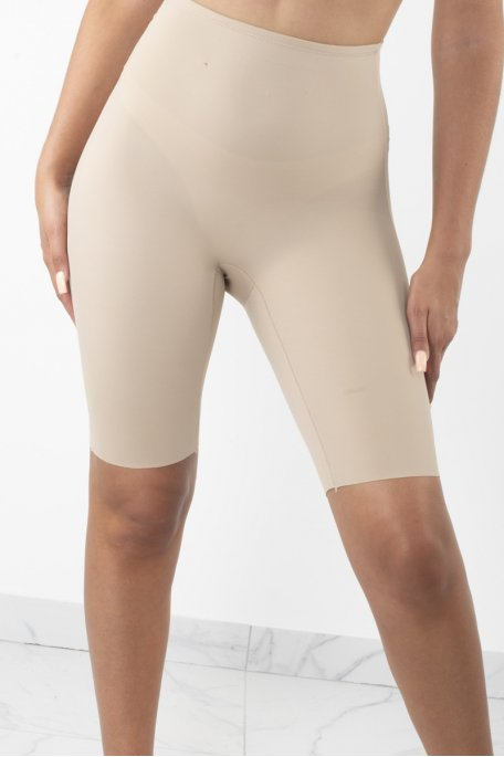 Gaine beige shorty amincissante