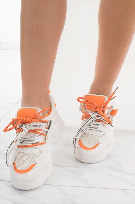 Baskets beiges plateformes doubles lacets oranges