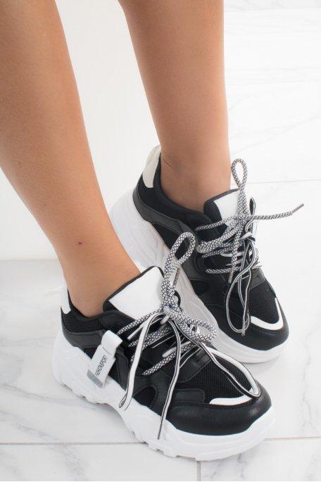 Baskets noires plateformes doubles lacets