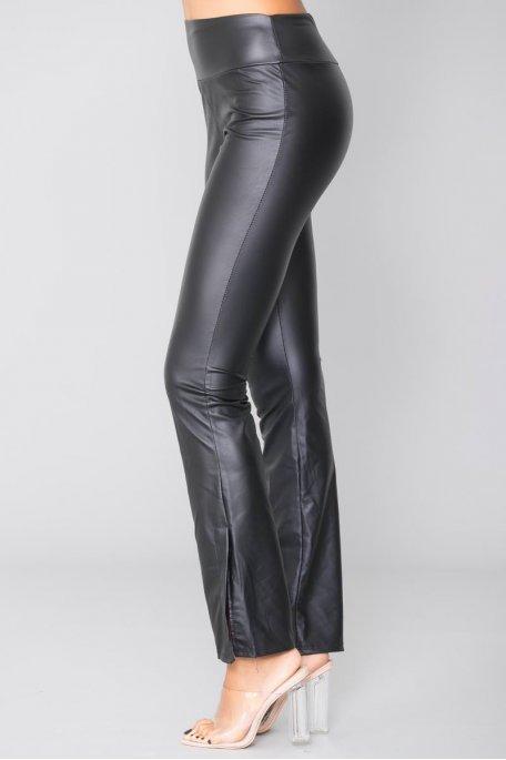 Pantalon noir effet simili évasé fendu