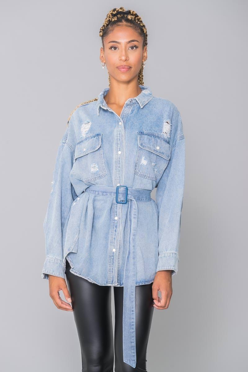 Veste en jean bleu clair déchirée ceinturée Cinelle Boutique