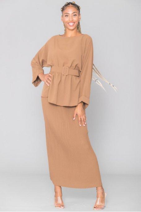 Ensemble camel top cintré jupe longue plissée