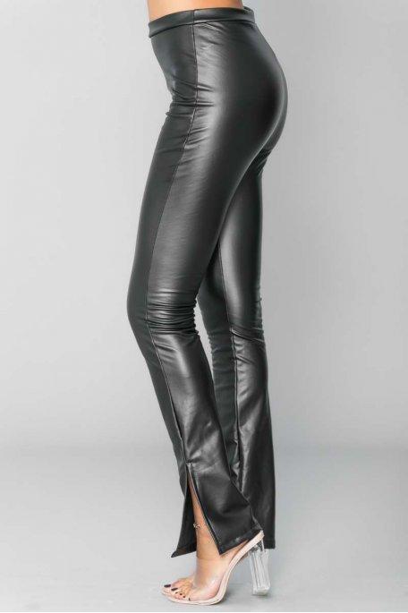 Pantalon noir flare fendu simili cuir