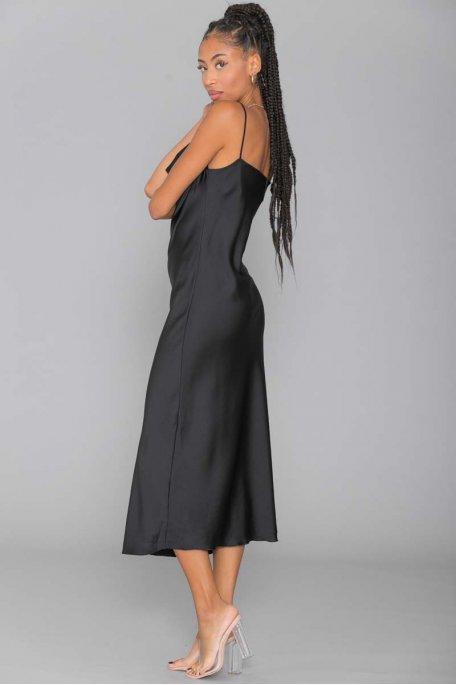 Robe longue satinée noire