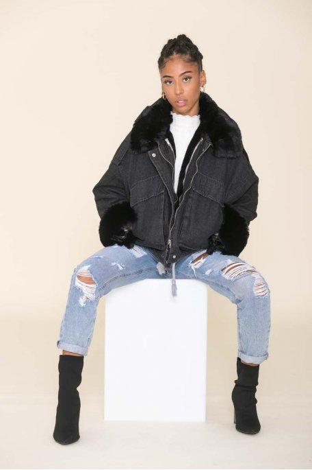 Veste en jean noire doublée fausse fourrure noire