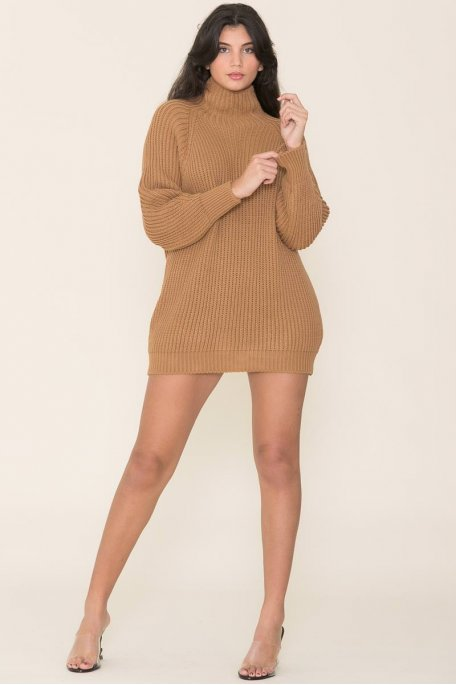 Robe pull en maille col montant camel