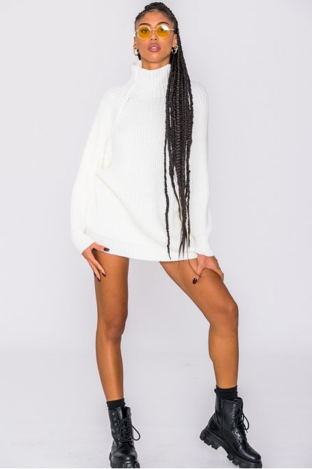 Robe pull en maille col montant blanc