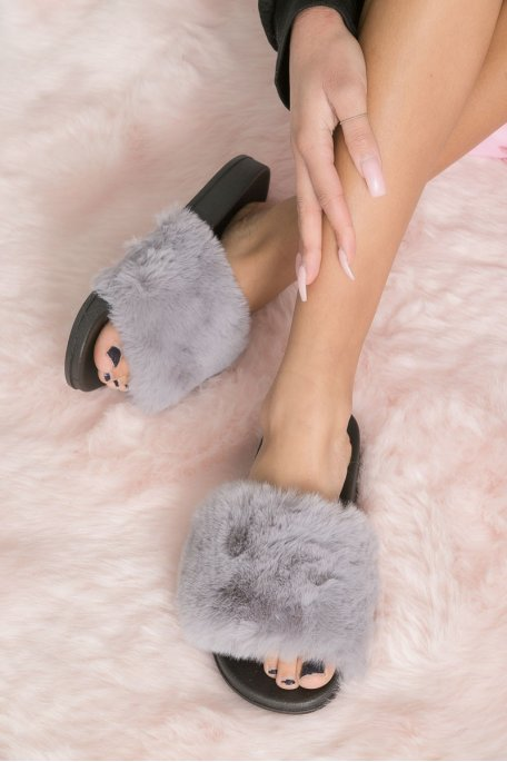Claquettes fausse fourrure gris