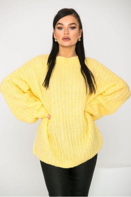 Pull en maille large col montant jaune