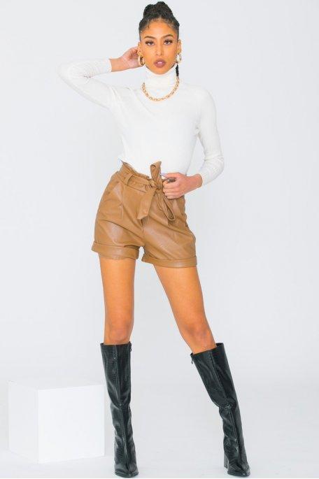 Short simili cuir camel ceinture