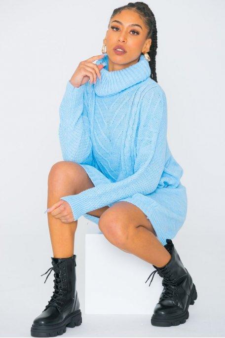 Robe pull large maille torsadée col roulé bleu