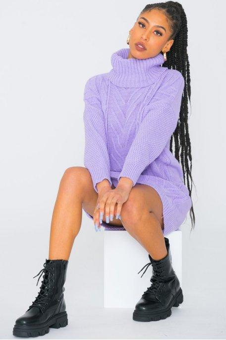 Robe pull large maille torsadée col roulé violet