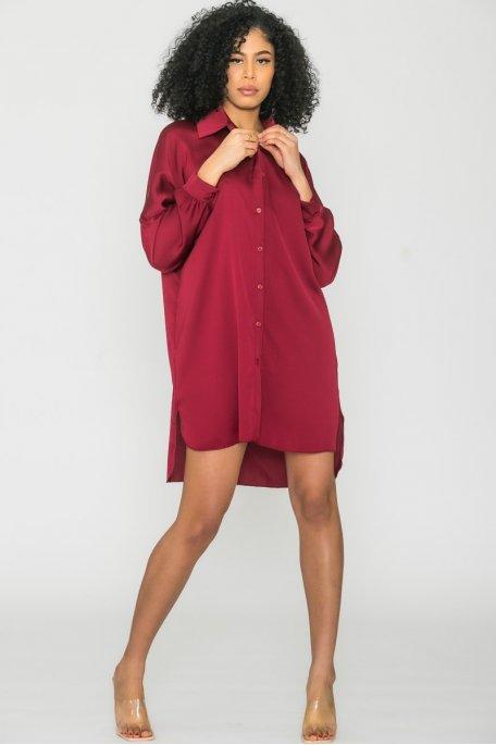 Robe chemise longue satinée bordeaux