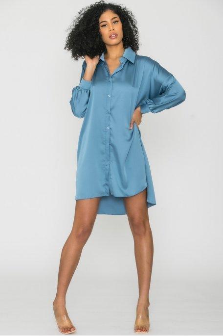 Robe chemise longue satinée bleu