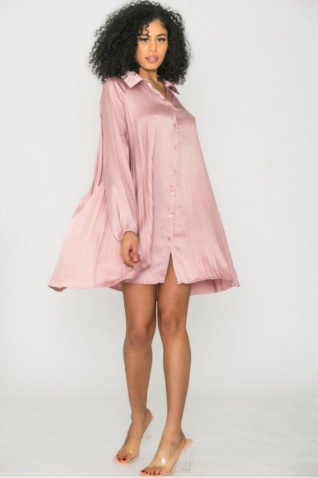 Robe chemise satinée plissée rose