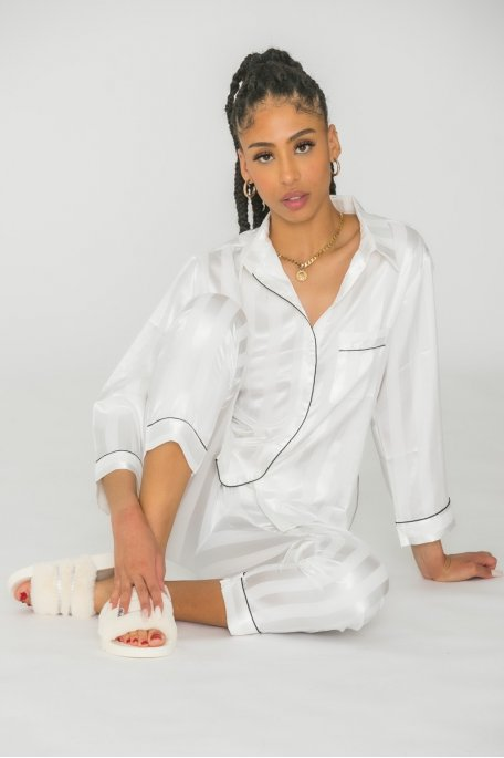 Pyjama satiné à rayures blanc