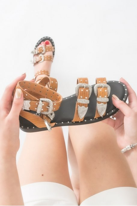 Sandales à boucle argentée camel