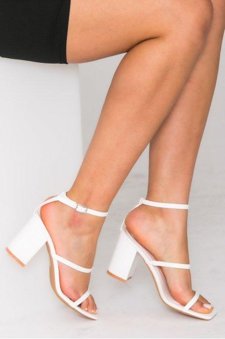 Sandales à talons carrés et brides fines blanc
