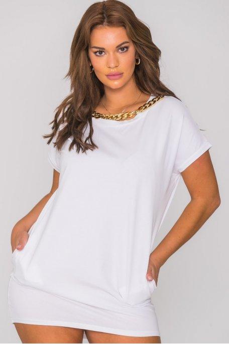Robe tee-shirt collier chaîne blanc