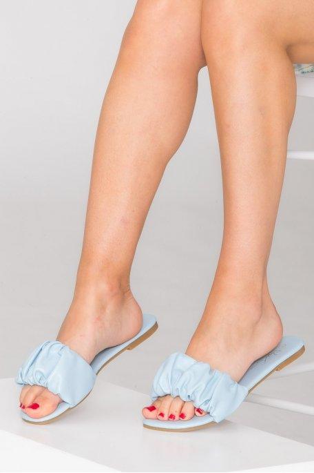Claquettes froncées en simili cuir bleu