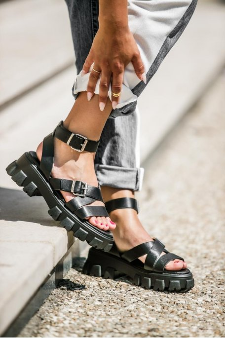 Sandales grosse plateforme lanières noir