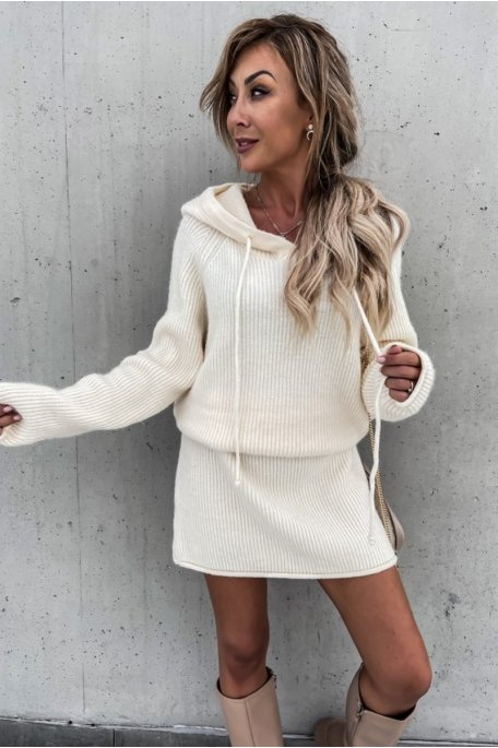 Robe pull en maille capuche blanc