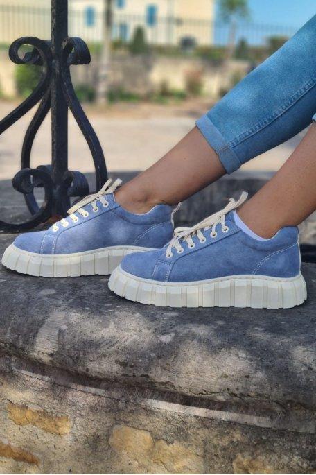 Baskets effet daim à plateforme bleu