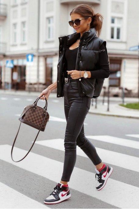 Doudoune courte sans manche similicuir noir