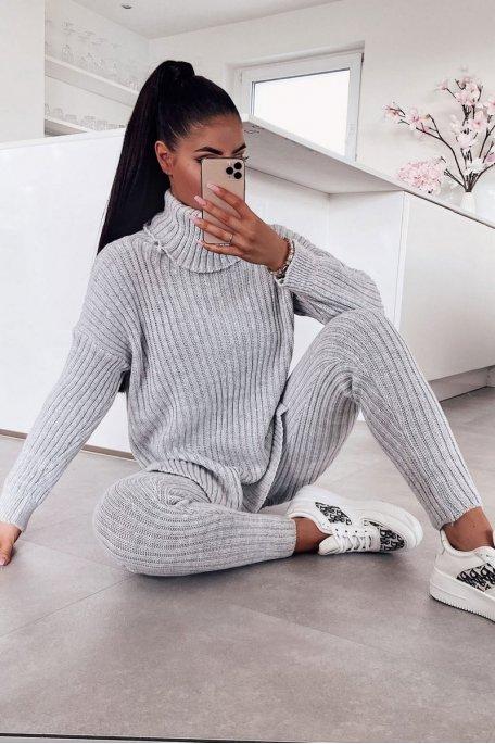 Ensemble pantalon pull col roulé côtelé gris